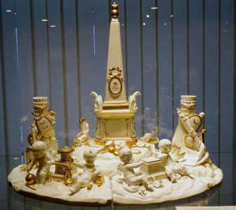 Музей императорского фарфора - Чернильный набор с монограммой императора Павла I. 1796-1801 гг.