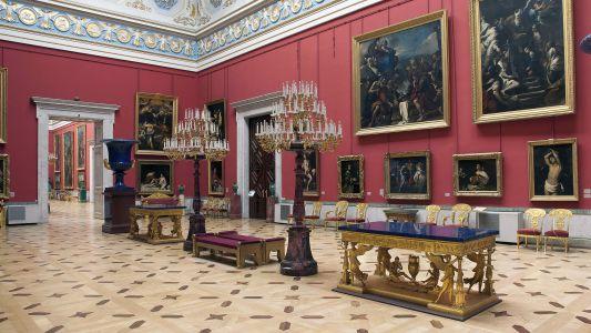 Большой Итальянский просвет в Новом Эрмитаже. Экспозиция Итальянской живописи XVII-XVIII веков.
