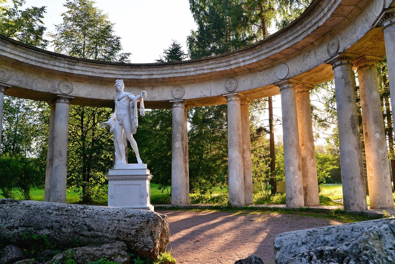 Колоннада Аполлона в Павловске