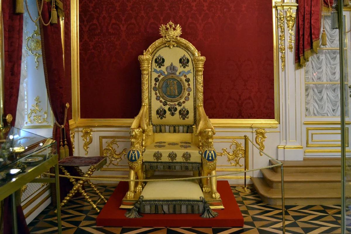 Особая кладовая: тронное кресло императрицы Марии Федоровны