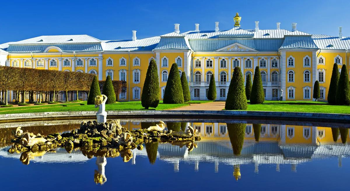 Автобусная групповая экскурсия в Петергоф с посещением Большого дворца