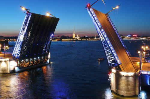 Экскурсии на развод мостов в Санкт-Петербурге