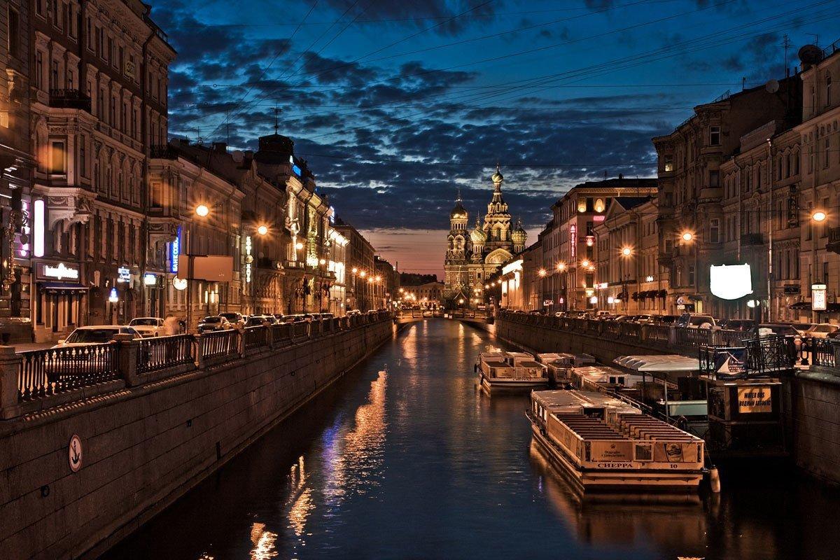 Ночные экскурсии по рекам и каналам Санкт-Петербурга