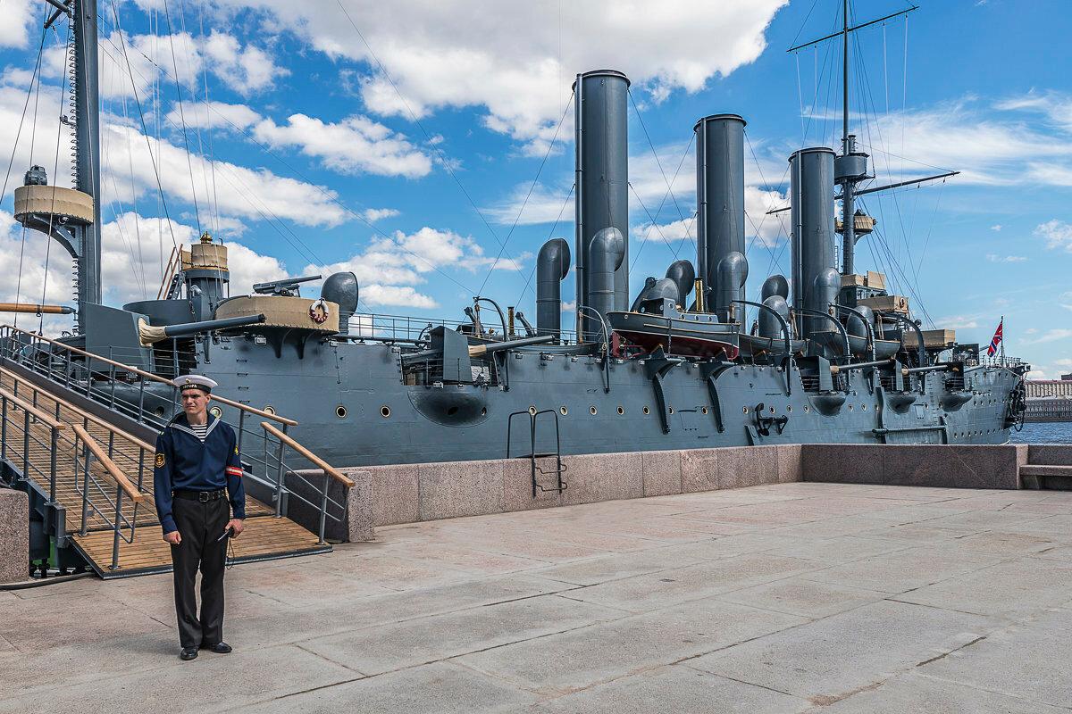 Экскурсии на крейсер Аврора в Санкт-Петербурге