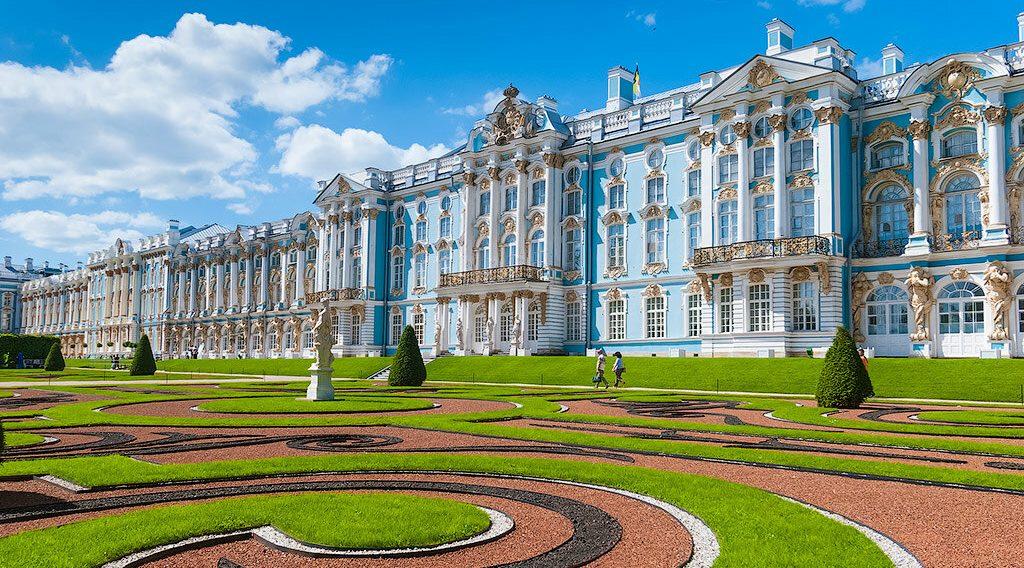 Экскурсии с посещением Екатерининского дворца и парка