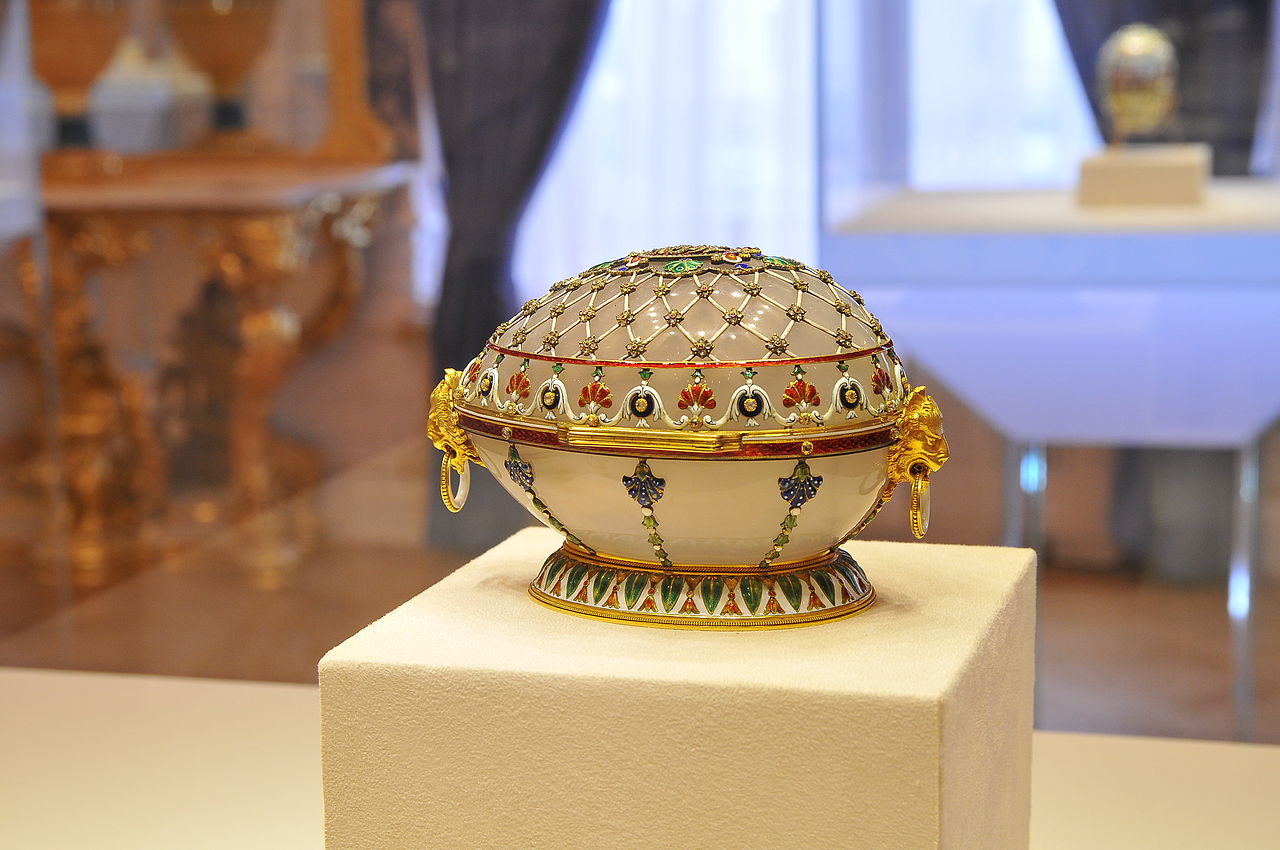 Императорское пасхальное яйцо-шкатулка «Ренессанс» музея Фаберже в Санкт-Петербурге