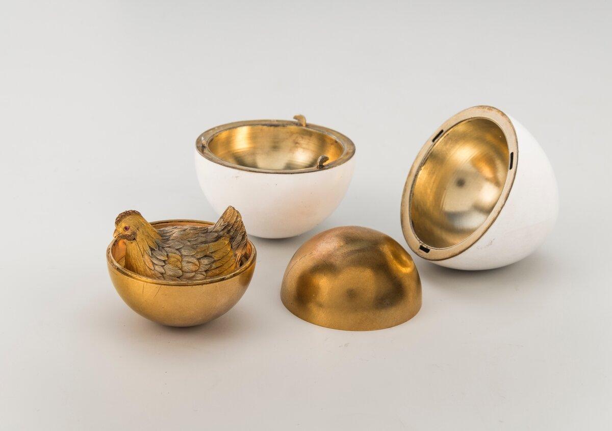Императорское пасхальное яйцо «Курочка» из коллекции Музея Фаберже