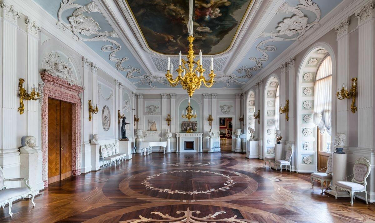 Аванзал в Гатчинском дворце