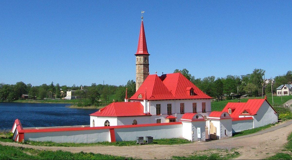 Особенности Приоратского дворца в Гатчине
