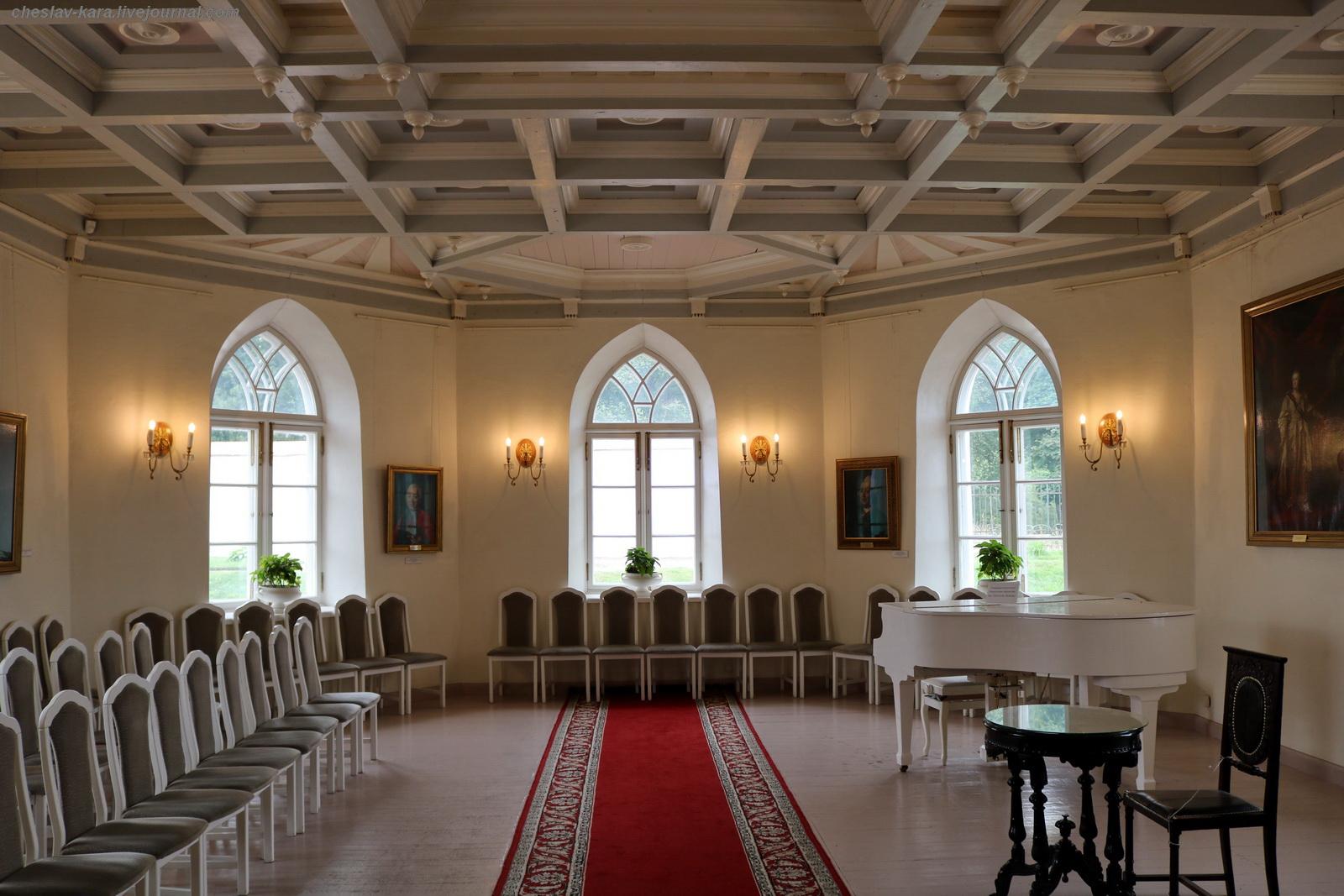 Помещение капеллы в Приоратском дворце