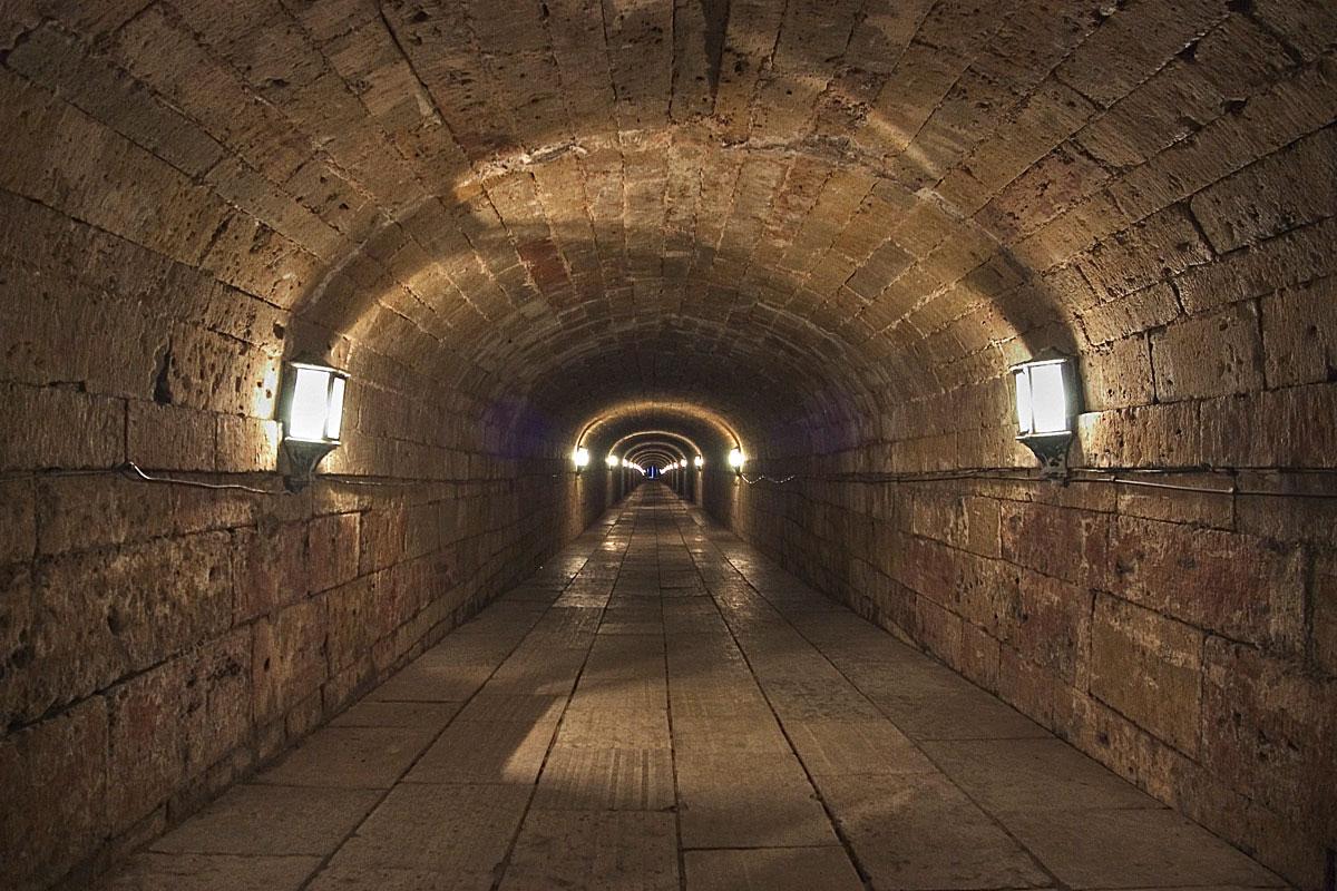 Подземный туннель в Гатчинском дворце