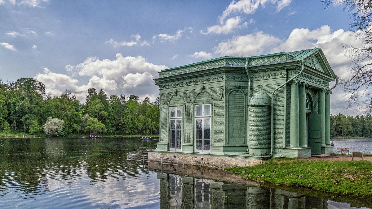 Павильон Венеры на острове Любви в Гатчинском парке