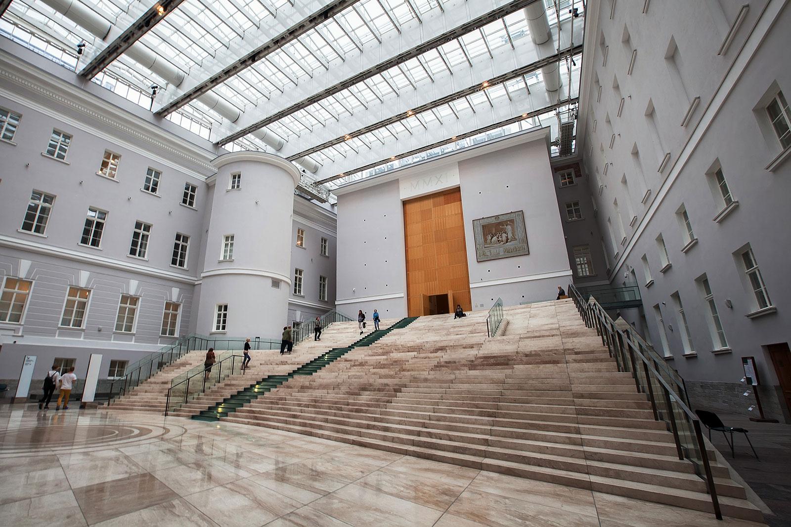 Атриум в Главном штабе Эрмитажа