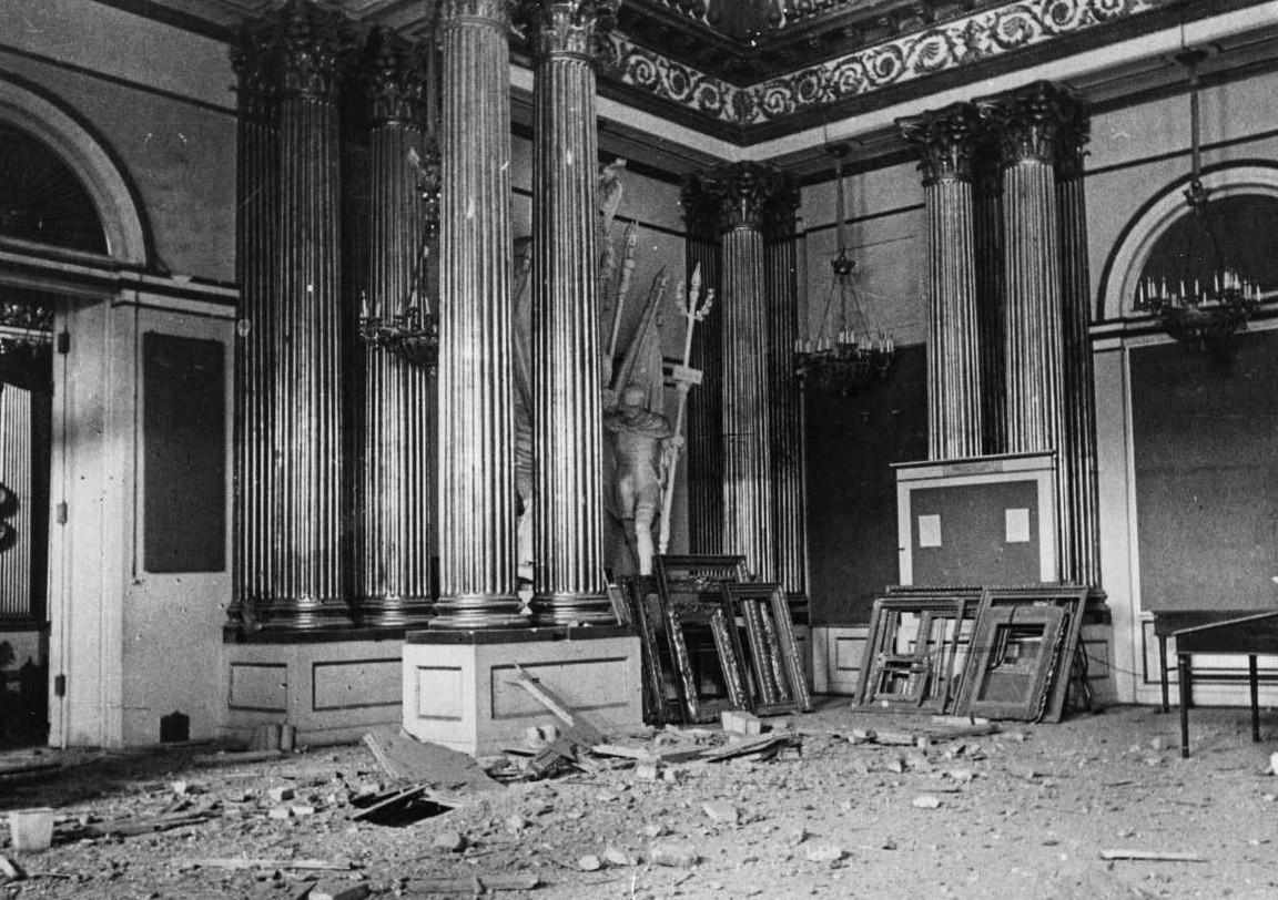 Зимний дворец Эрмитажа, Гербовый зал. 1942