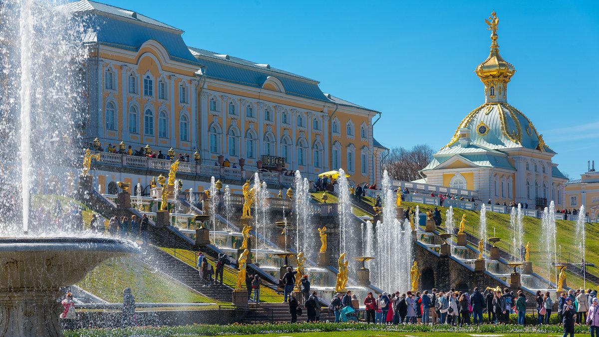 Экскурсия в Петергоф на открытие фонтанов