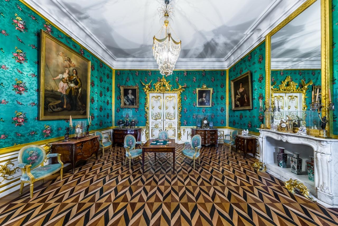 Штандартная в Большом петергофском дворце