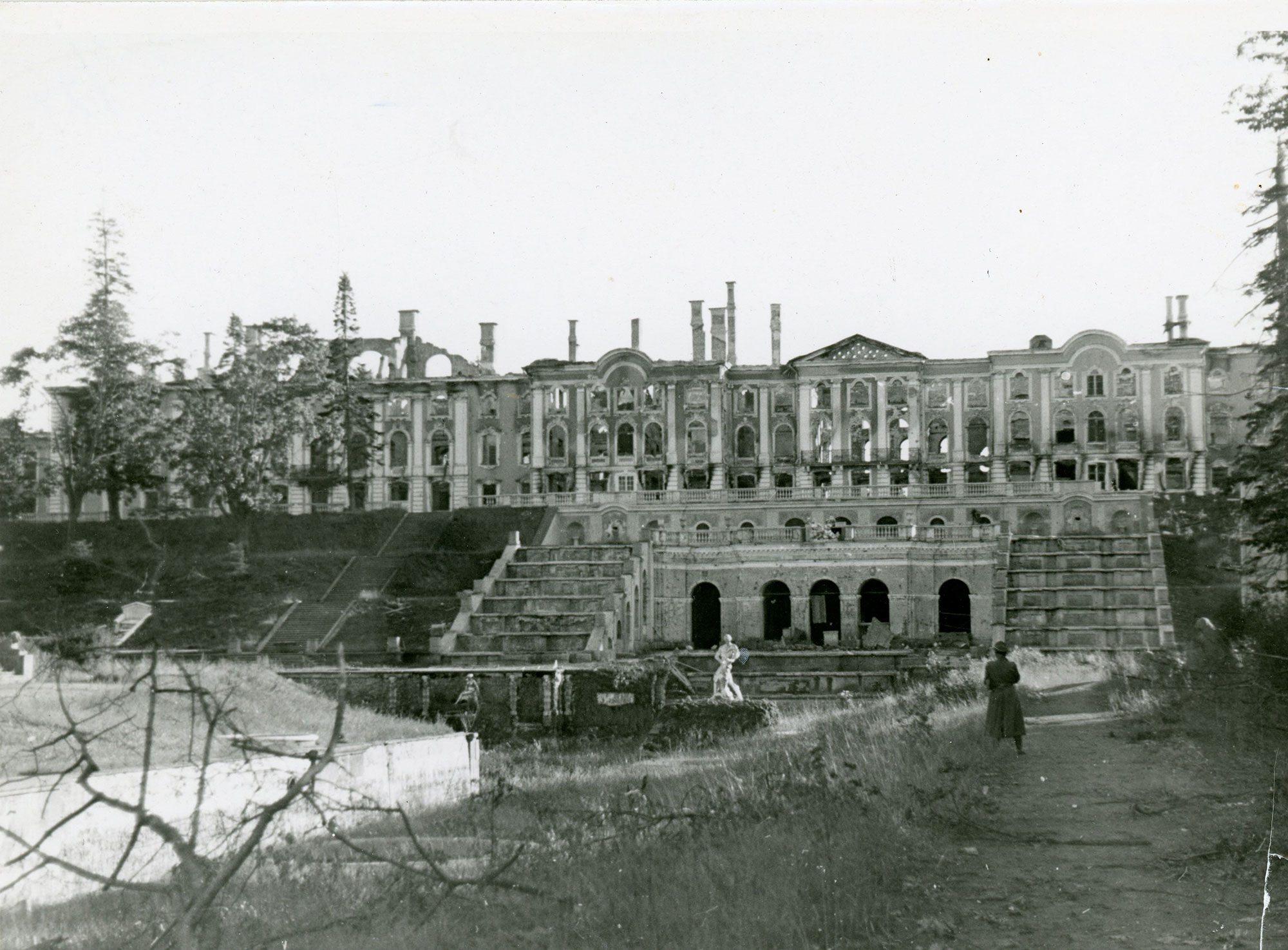 Большой петергофский дворец во время Великой Отечественной войны