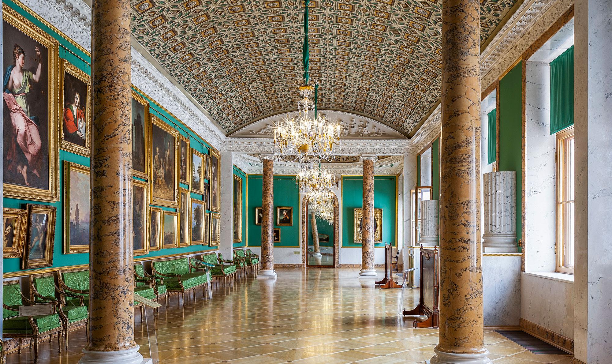 Экскурсии в Строгановский дворец