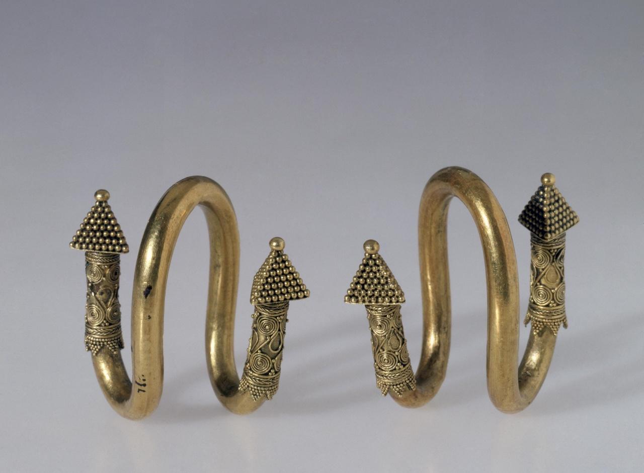 Пара подвесок - Северное Причерноморье, 4 век до н.э.