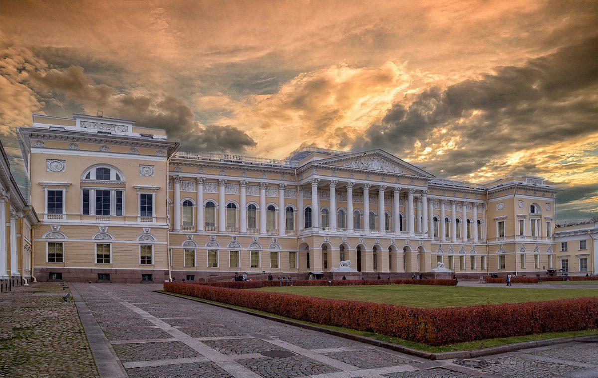 Экскурсия по Михайловскому дворцу