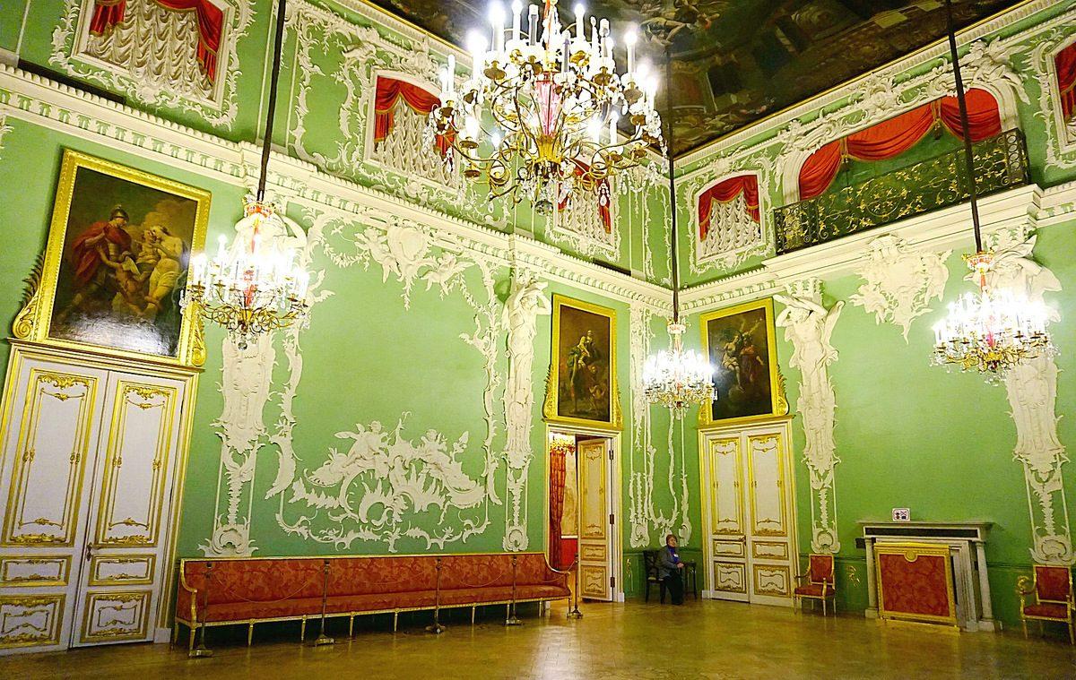 Большой зал в Строгановском дворце