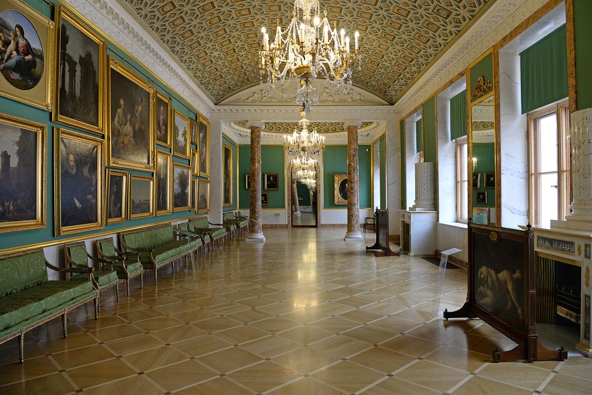 Выставки в Строгановском дворце