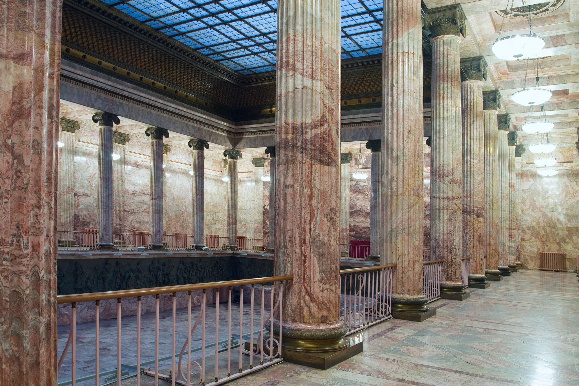 Главный зал – Мраморный этнографического музея в Санкт-Петербурге