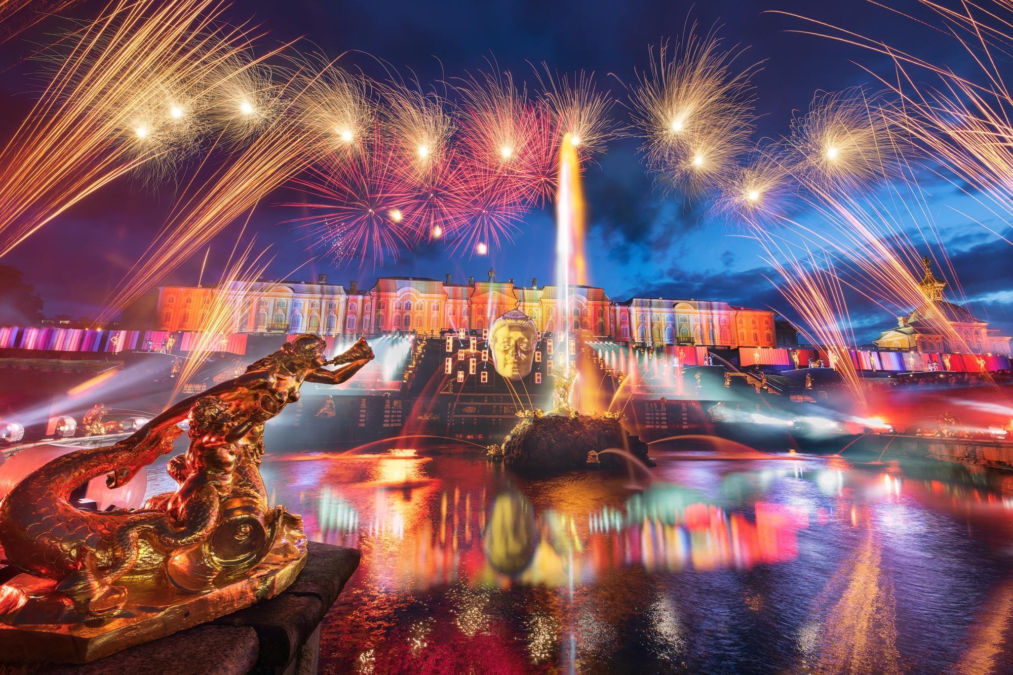 """Праздничная программа """"Закрытие фонтанов в Петергофе"""" в 2021 году"""
