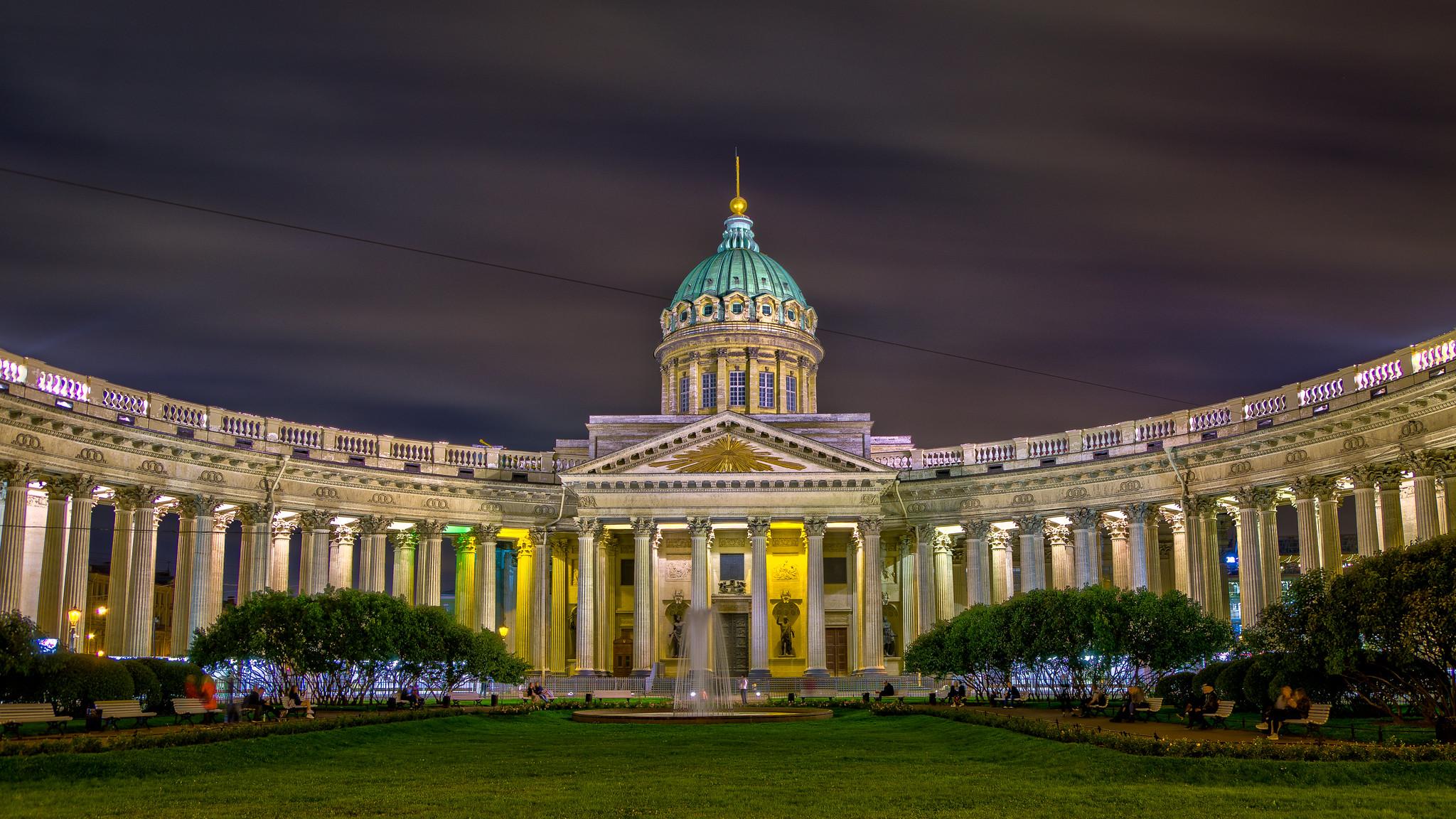 Казанский собор в Санкт-Петербурге вечером