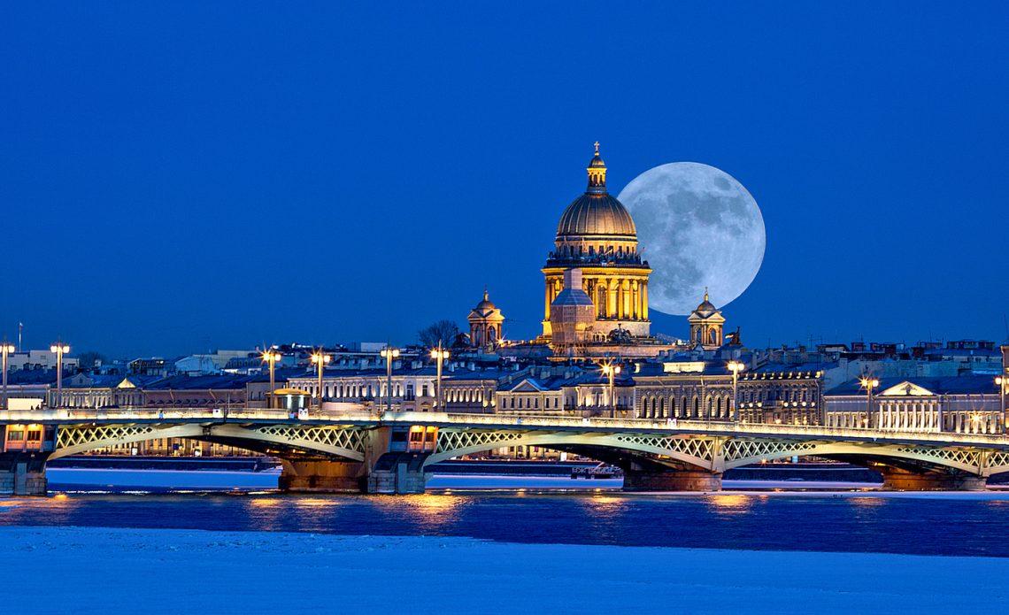 Ночные экскурсии по Санкт-Петербургу