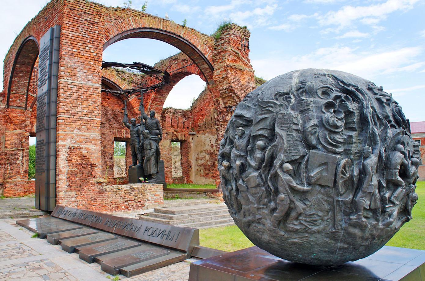 Памятник защитникам крепости Орешек в годы Великой Отечественной войны