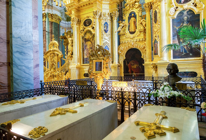 Императорская усыпальница в Петропавловском соборе в Петербурге